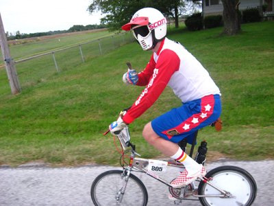 http://www.bmxmongoose.com/images/bikeMS_pics_2010/ridingBMX.jpg